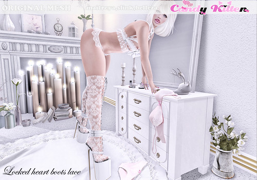 locked heart boots lace