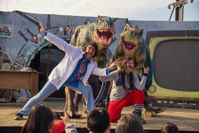 """Obra teatral """"Dinosaurios la evidencia"""" Centro cívico Boca sur"""