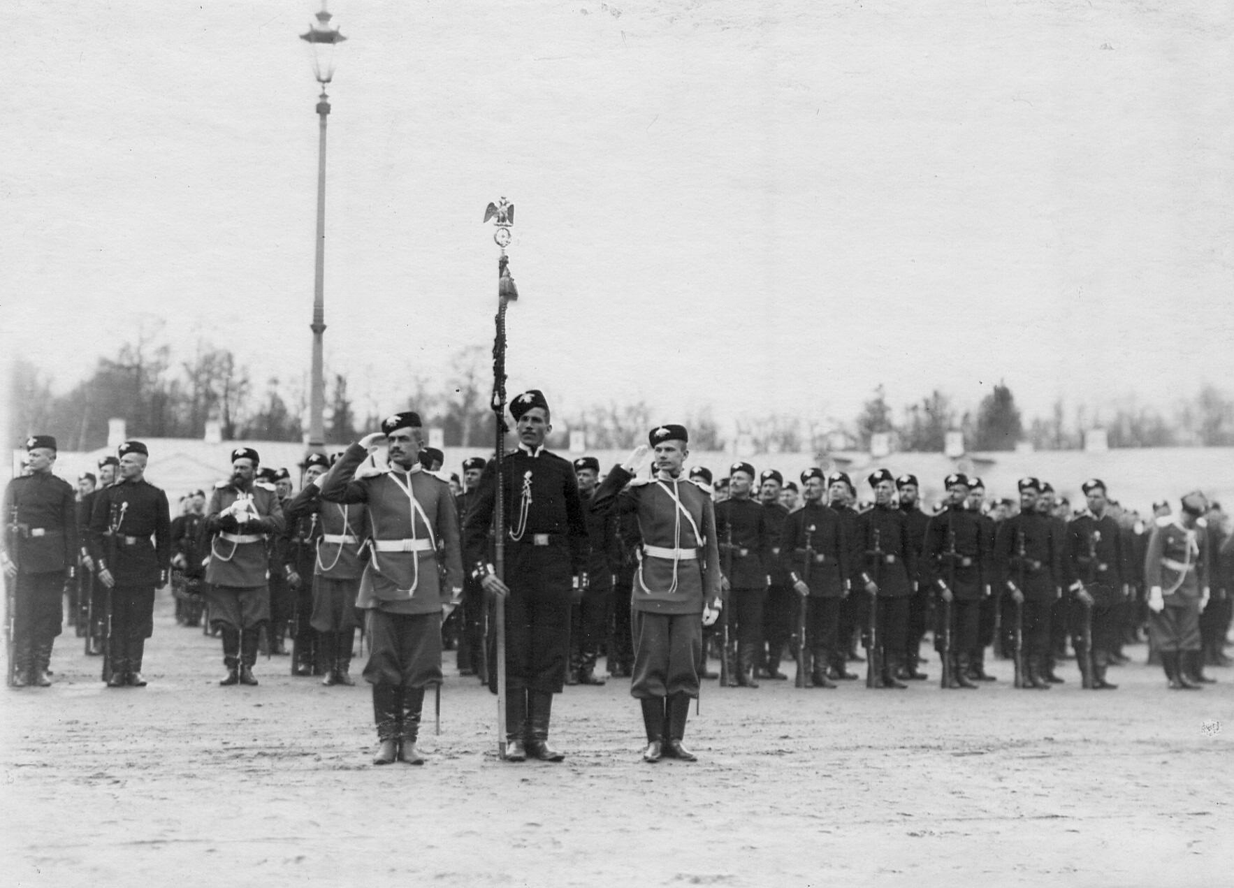 Парадное построение лейб-гвардии 2-го Царскосельского стрелкового батальона. 21 апреля 1905