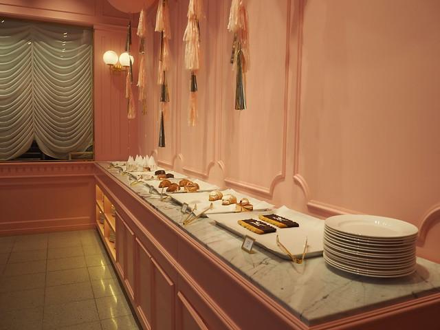 P6168292 STYLENANDA(スタイルナンダ) pink pool cafe(ピンクプールカフェ) 핑크풀카페 弘大 ソウルカフェ ひめごと