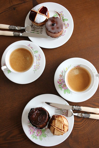 Au Bon Vieux Tempsのお菓子でコーヒータイム