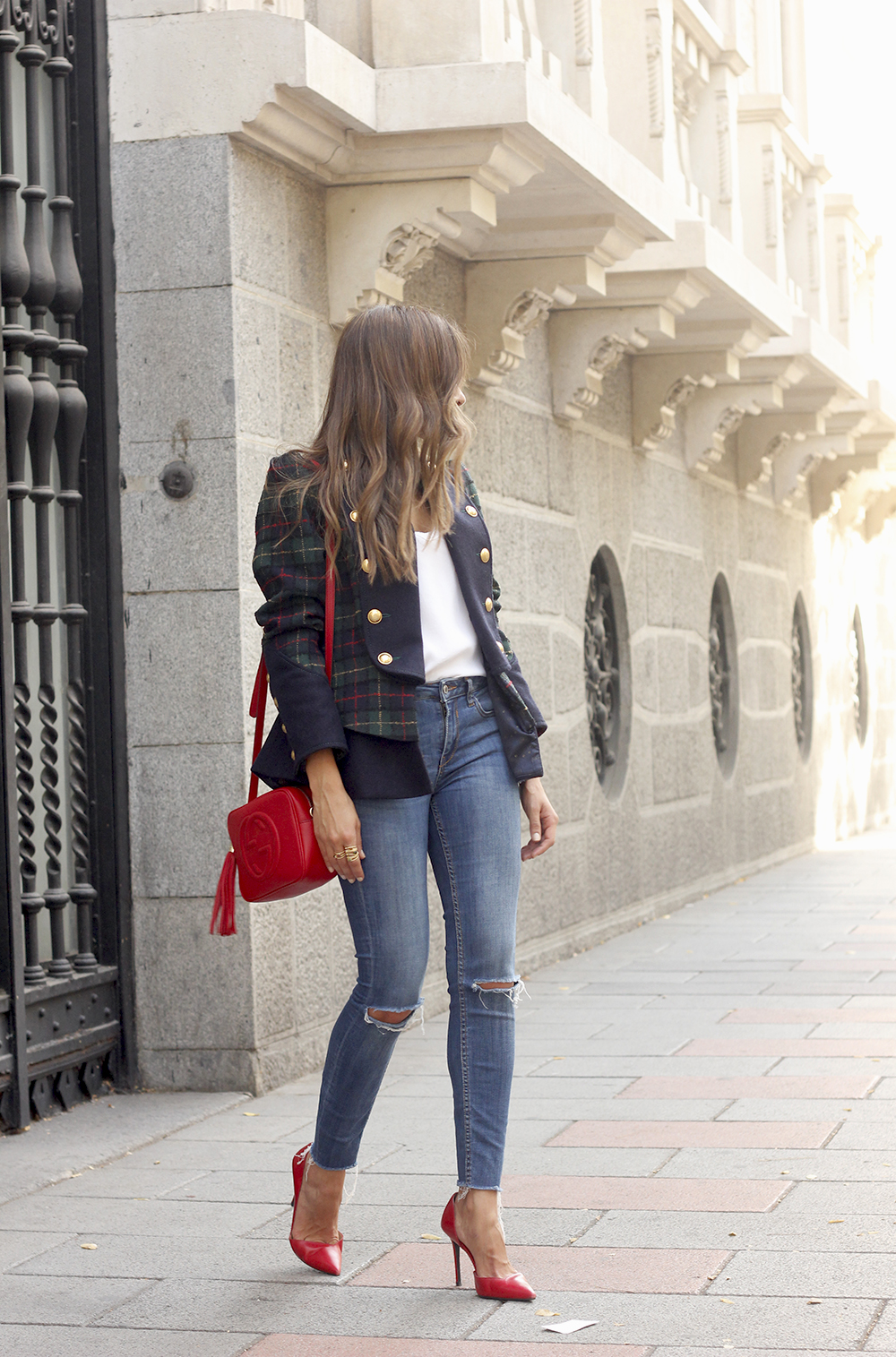 CHECKED BLAZER highly preppy gucci bag ripped jeans street style 2018 outfit01