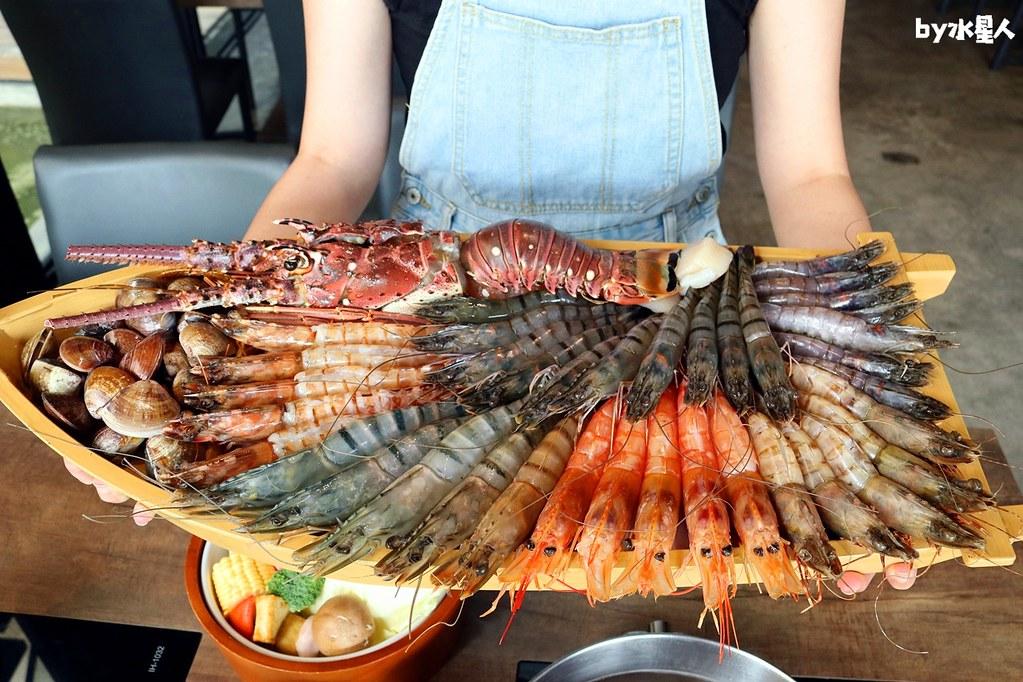 43244333645 37fd614418 b - 熱血採訪|台北知名火鍋上官木桶鍋來台中,超狂甜蜜痛風鍋,爆量鮮蝦吃到爽