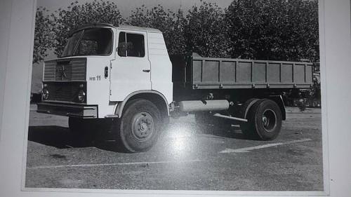 camió Henschel Hispania 11 carrossat amb bolquet