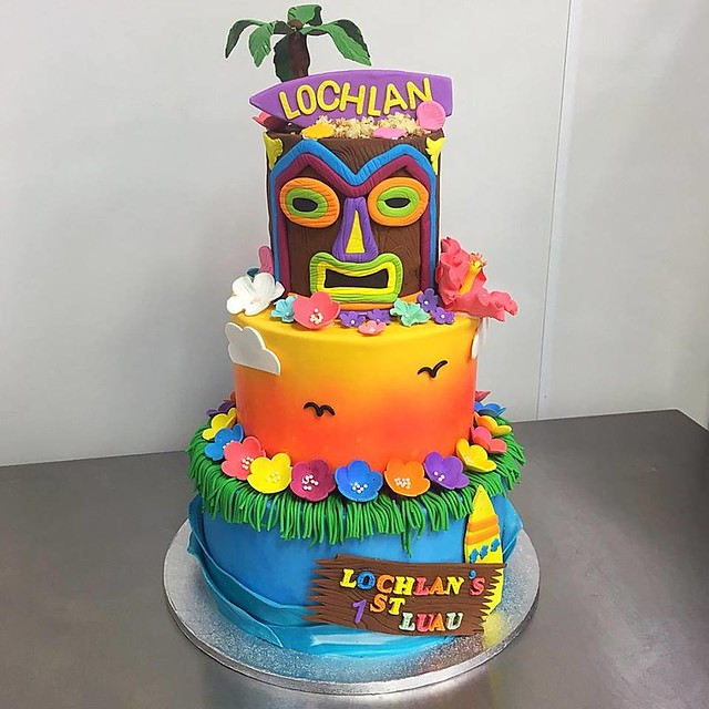 Luau Cake by Roscoe Bakery