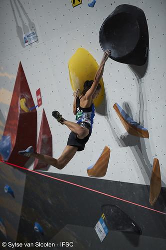 ifscwch-innsbruck-boulderfinals-women-friday-040-D4S_2361