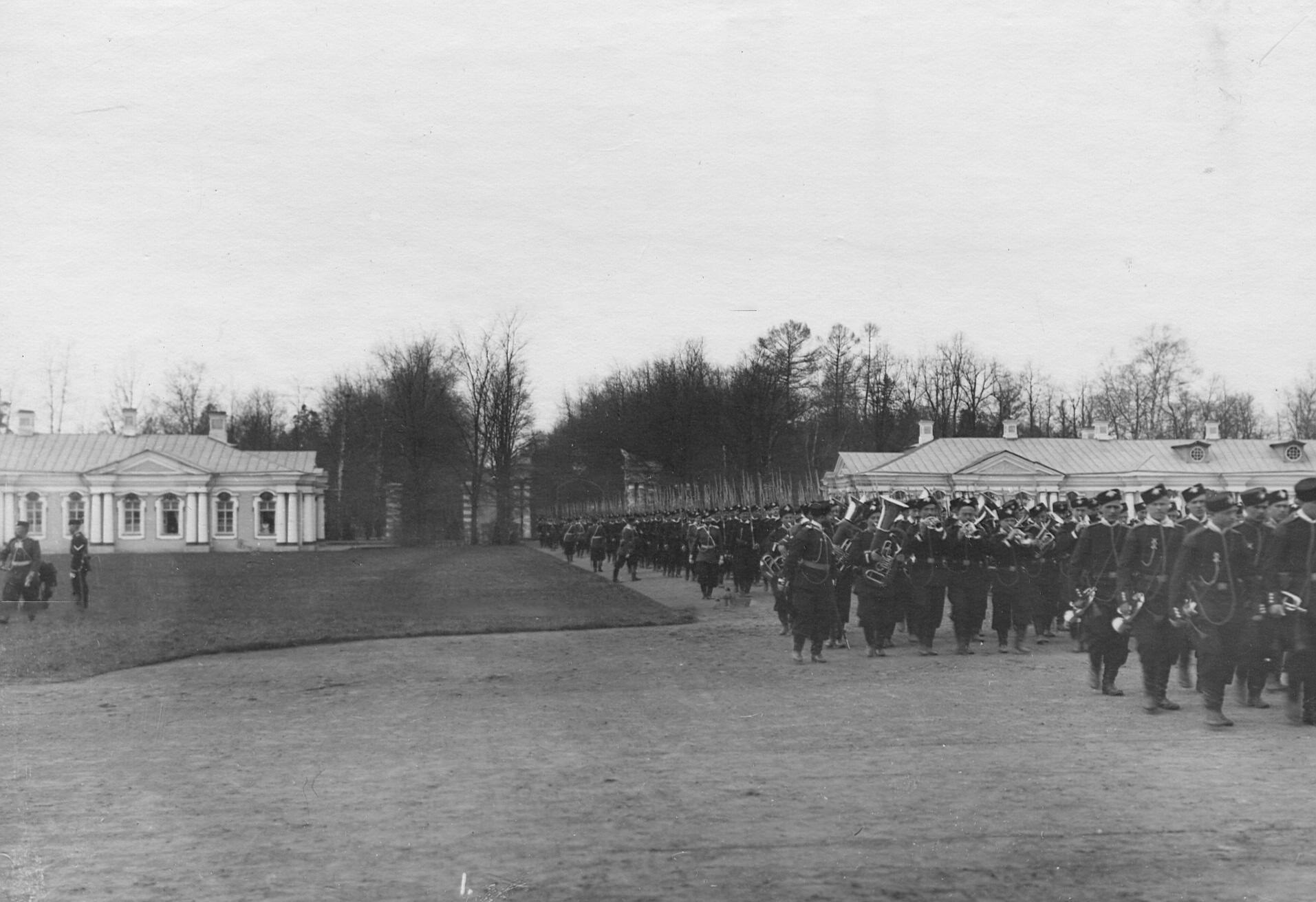 2-й стрелковый Царскосельский батальон после парада. 7 апреля 1903
