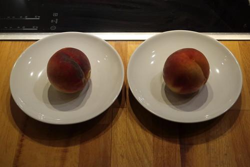 Pfirsiche (aus dem Schrebergarten unserer Nachbarn)