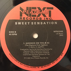 SWEET SENSATION:HOOKED ON YOU(LABEL SIDE-B)