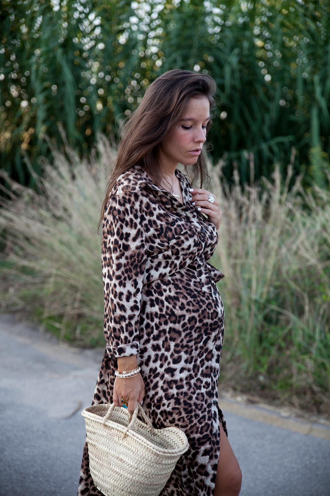 06_leopardo_estampado_tendencia_otoño_18_19_theguestgirl_leopard_dress_loavies_pregnant_barcelona_embarazada_influencer_outfit_otoño