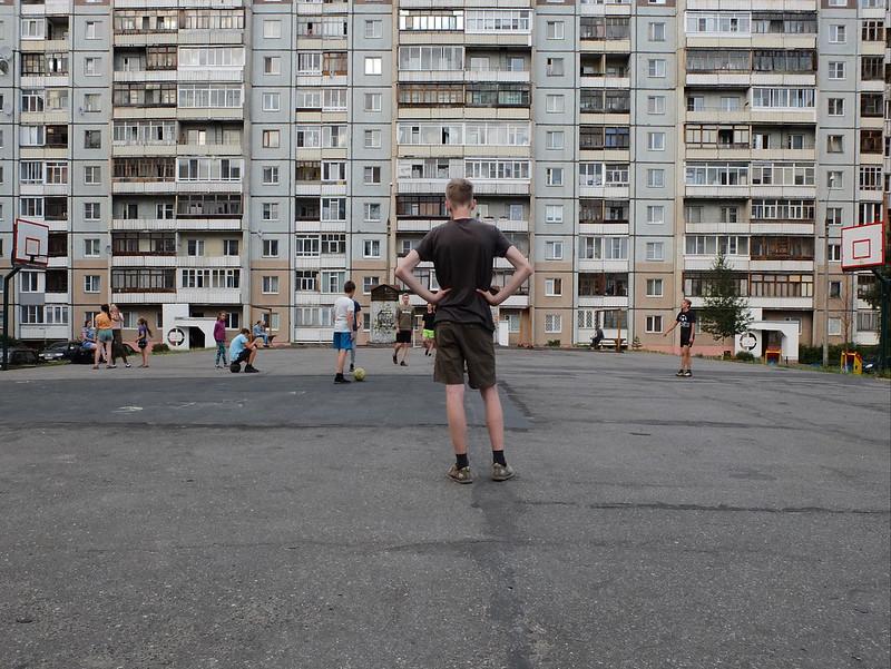 Архангельск: бараки, стрит-арт, деревянные тротуары и сюрреалистичная Соломбала