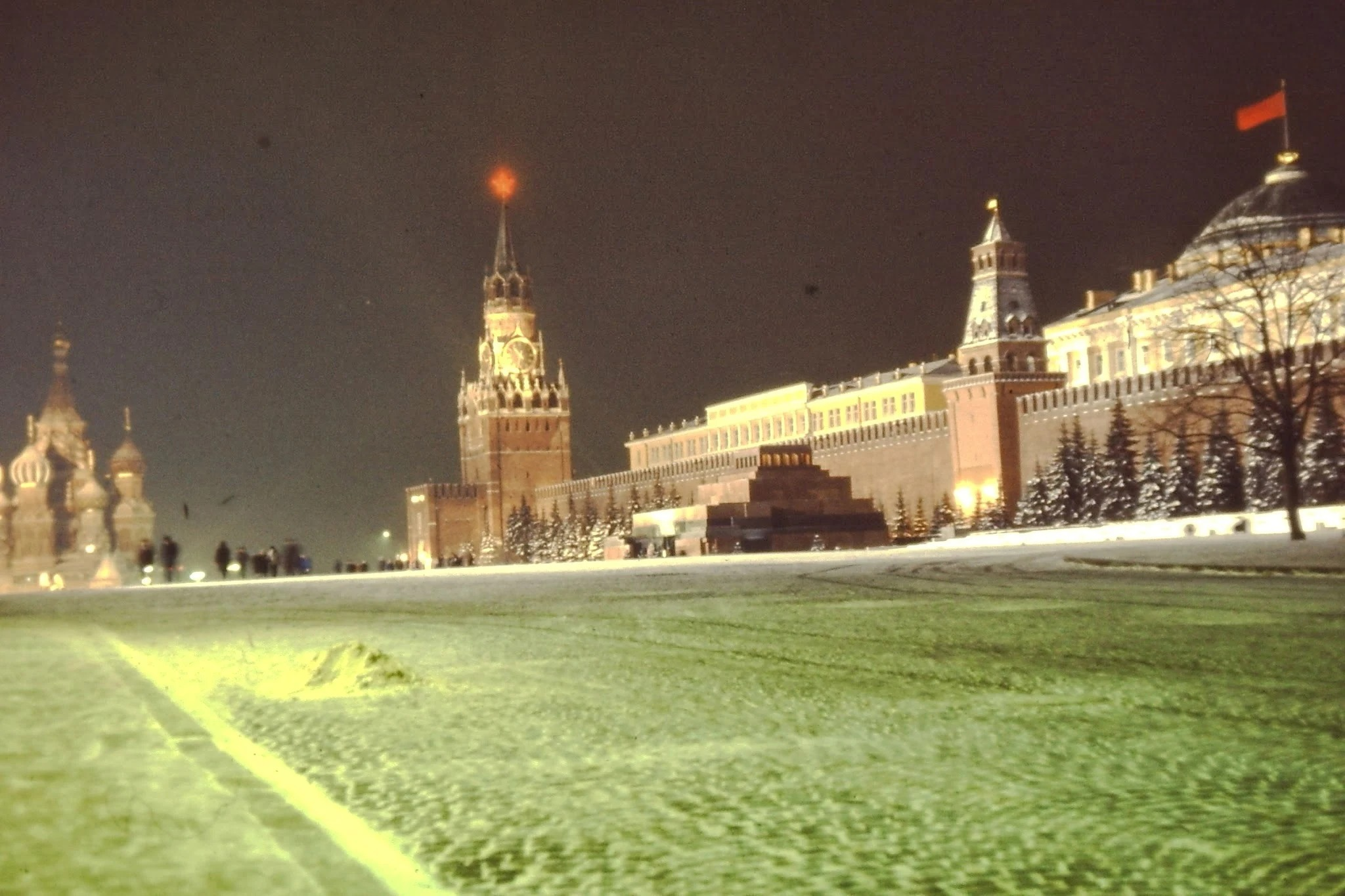 Красная площадь ночью (31 декабря 1969 года)