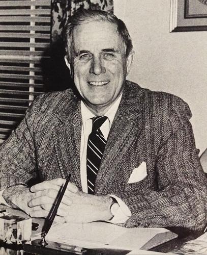 Headmaster Hoxton '35 1967-1981