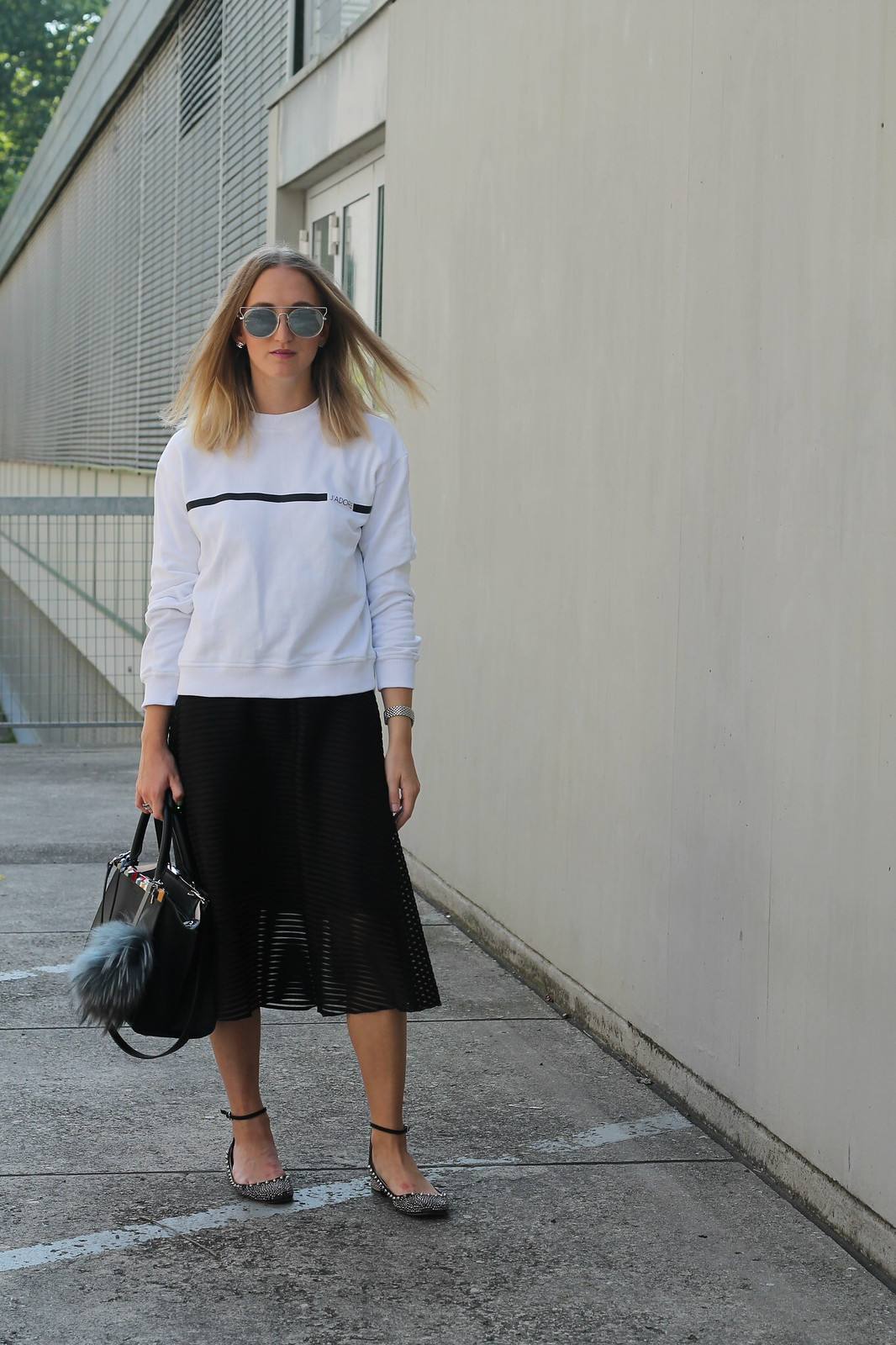 sweater-and-midi-skirt-whole-look-wiebkembg