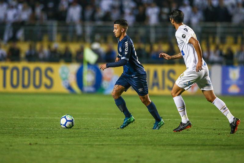 Matheus retorna para seguir na sua afirmação (Foto  Lucas Uebel Grêmio FBPA) c7a286abc8e