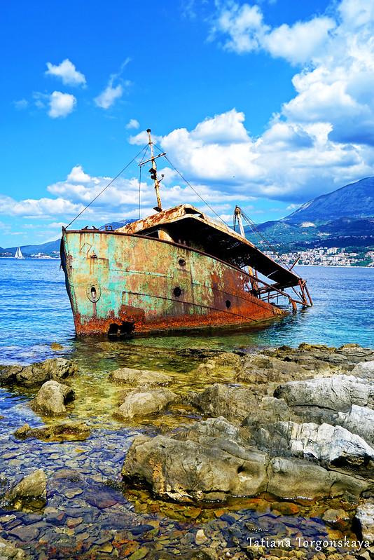 Корабль в Росе