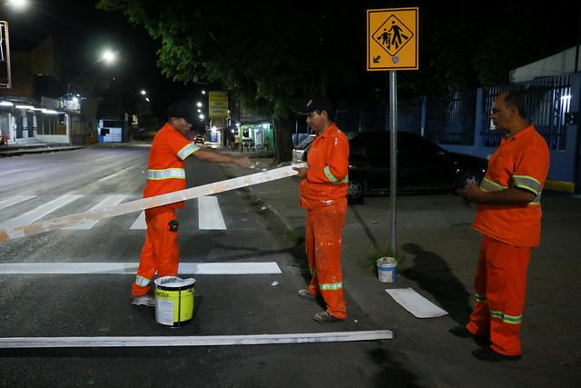 Prefeitura entra pela madrugada com mutirão de limpeza na avenida Itaúba
