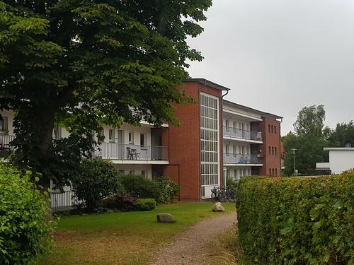 20180623 19 207 Baltica Oldesloe Hausfassade Backstein Balkon