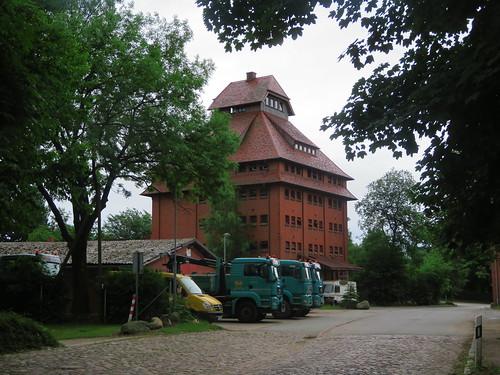 20180624 20 098 Baltica Grabau GetreideSilo Turm Weg Bäume