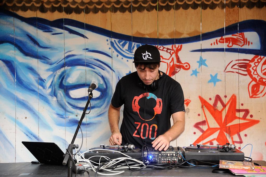 DJ tailerra