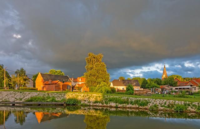last light canal de Somme