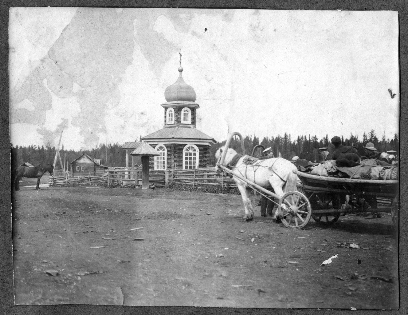Церковь близ Павдинского завода на Урале