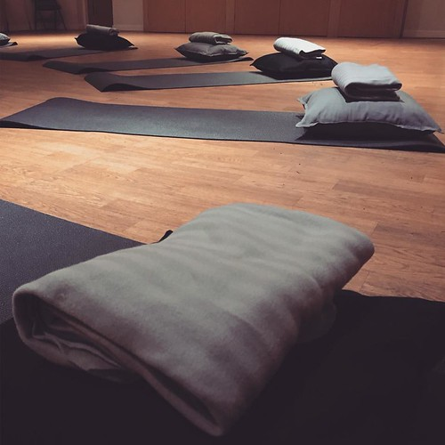 Antenatal birthing / pregnancy yoga class set up | by DaisyFoundationLeeds