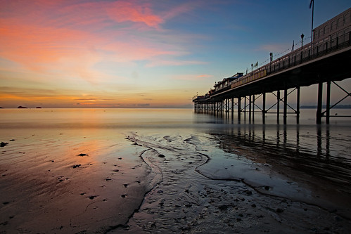 sunrise pastel colour reflection paigntonpier englishriviera devon torbay beach seascape nikond3300 tripod landscape longexposure