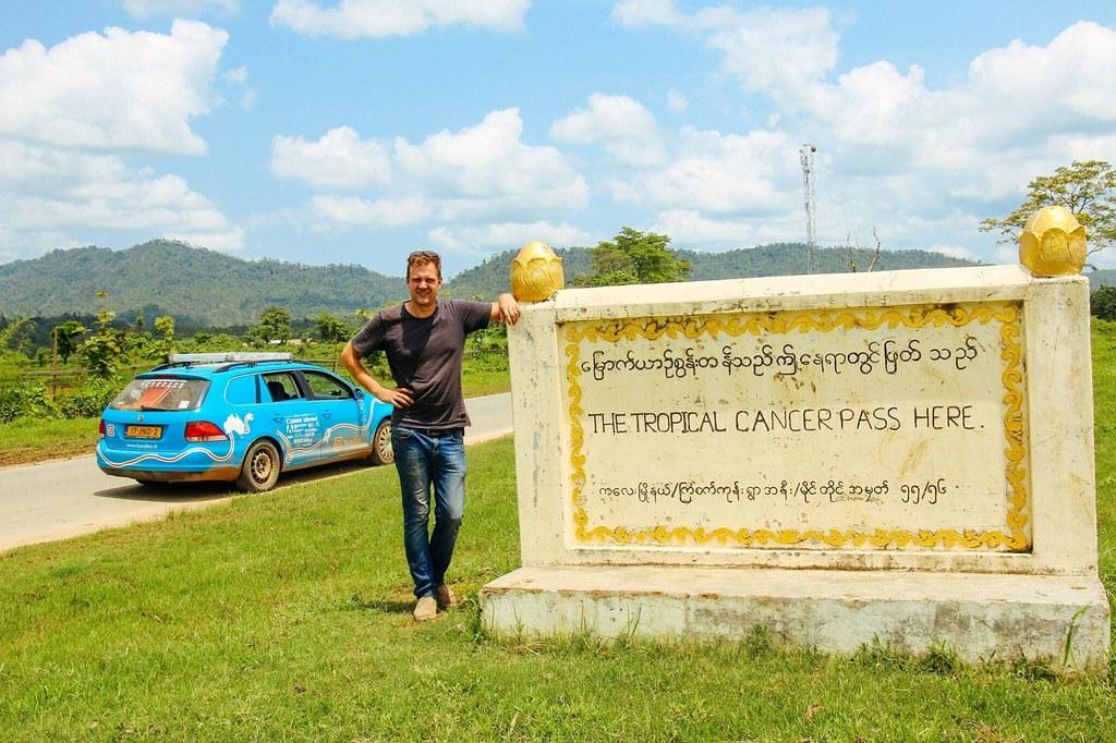 Со Golf V преправен на струја на пат околу светот 4