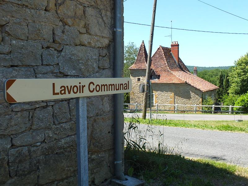 Camboulit - Le lavoir communal (Bournat)