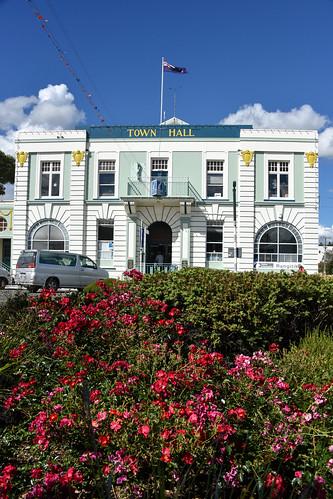 這幢寫著是市政廳的建物,進去看有個iSite,不太像是行政單位,管他的,就是很漂的建物。
