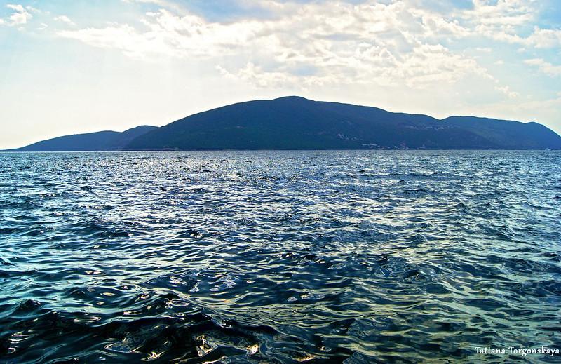 Адриатика в пасмурную погоду. Вид из Росе в сторону полуострова Кошаре