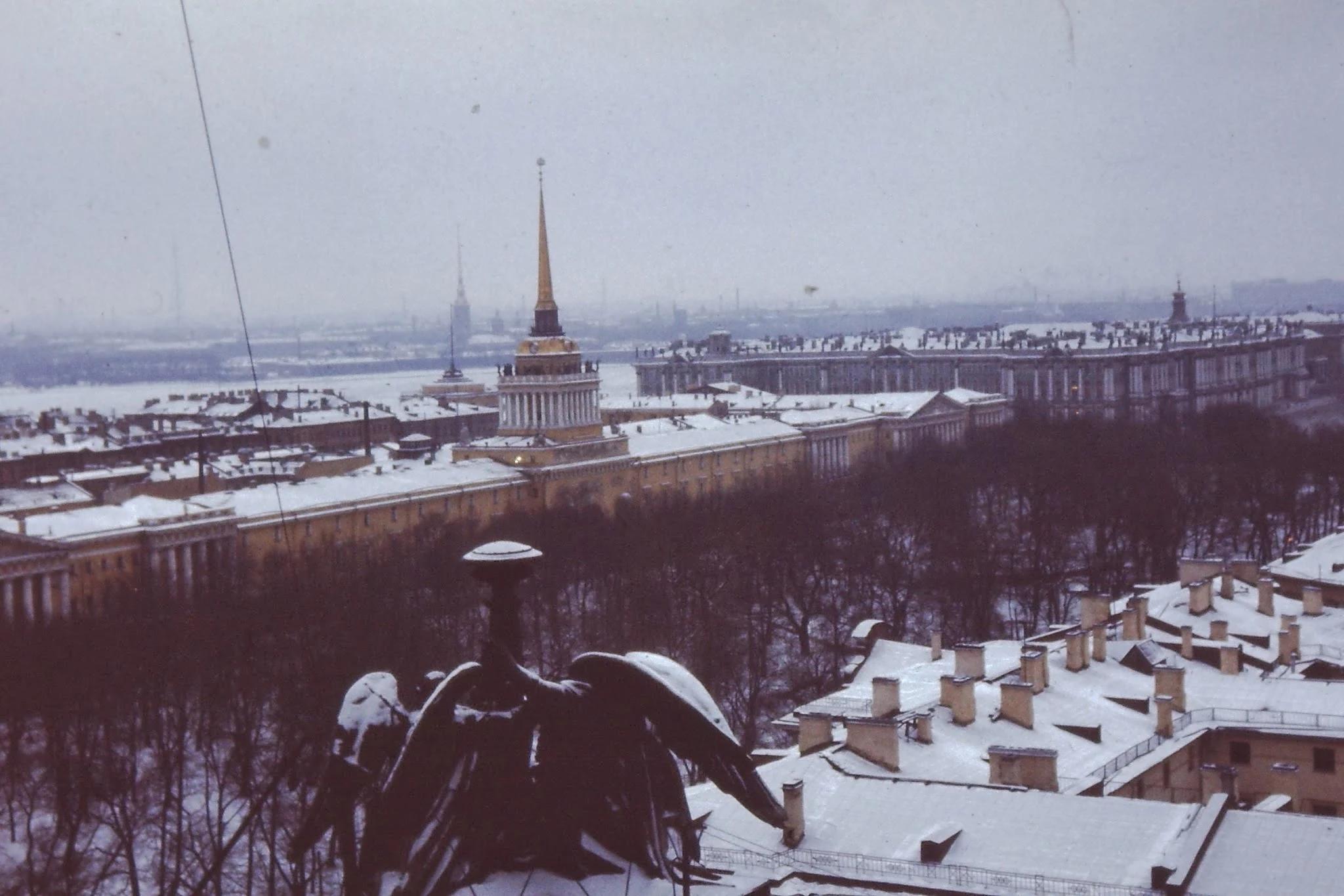 21. Вид с Исаакиевского собора на Адмиралтейство и Зимний дворец