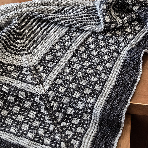 Detail shot of Sarah Schira's Study Hall Shawl