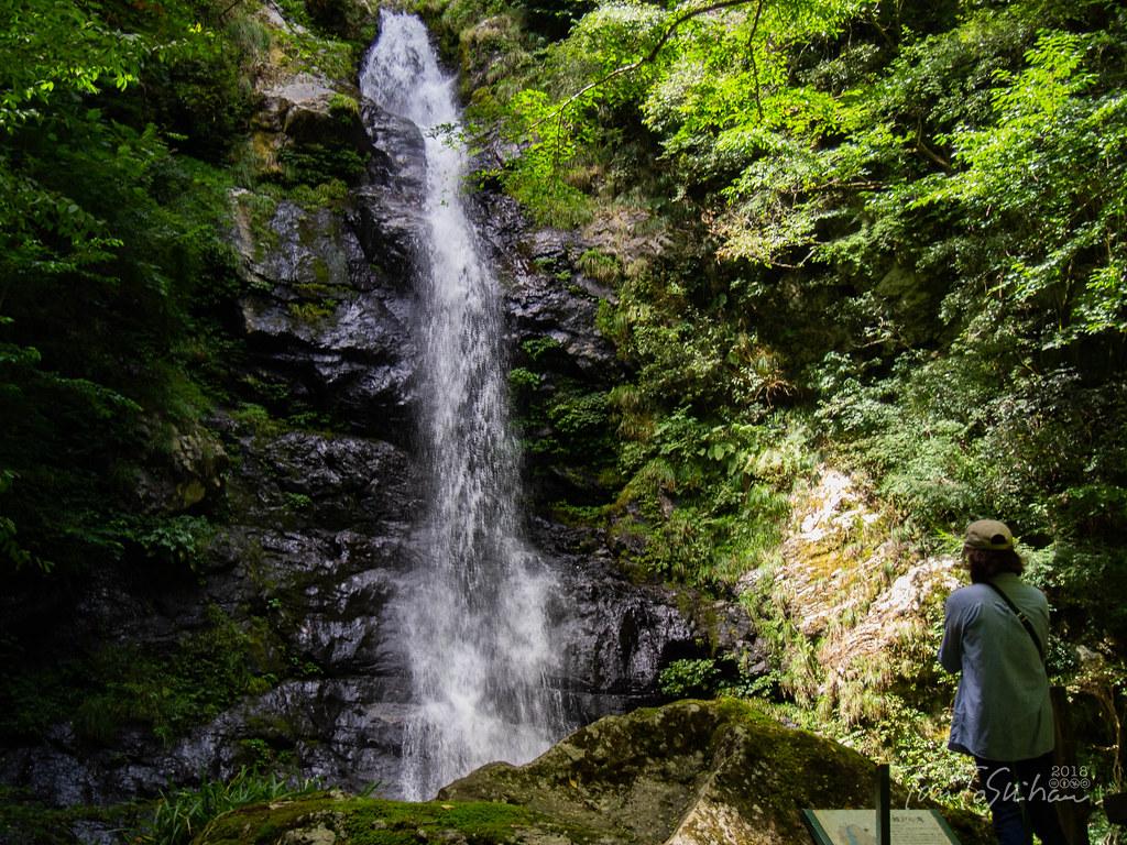 瀬戸の滝(咬龍の滝)
