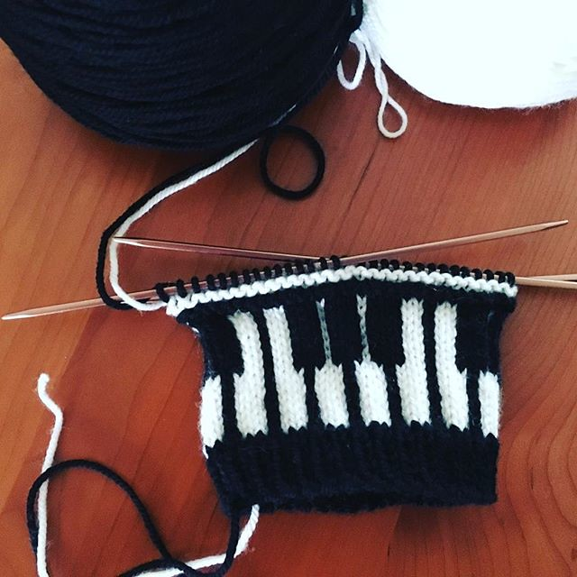 🎹 Let's rock... #knitting