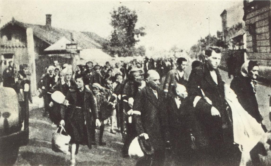 1941. Евреев из тюрьмы Лукишкес отправляют в Понары