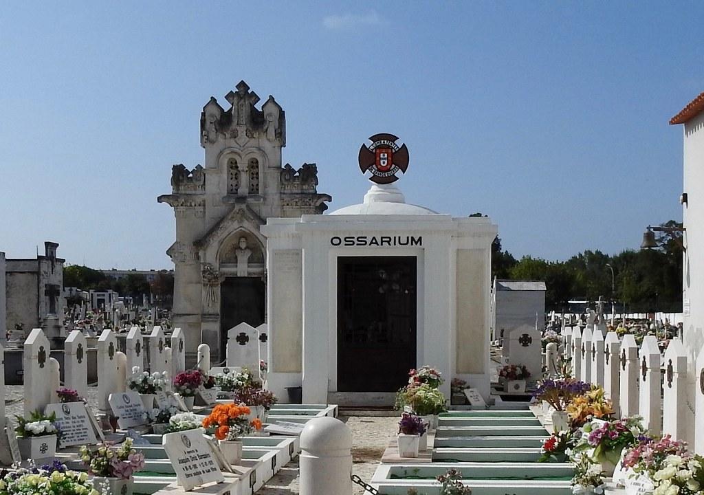 Cemitério | Marinha Grande Leiria - Distrito Portugal 2018 ...