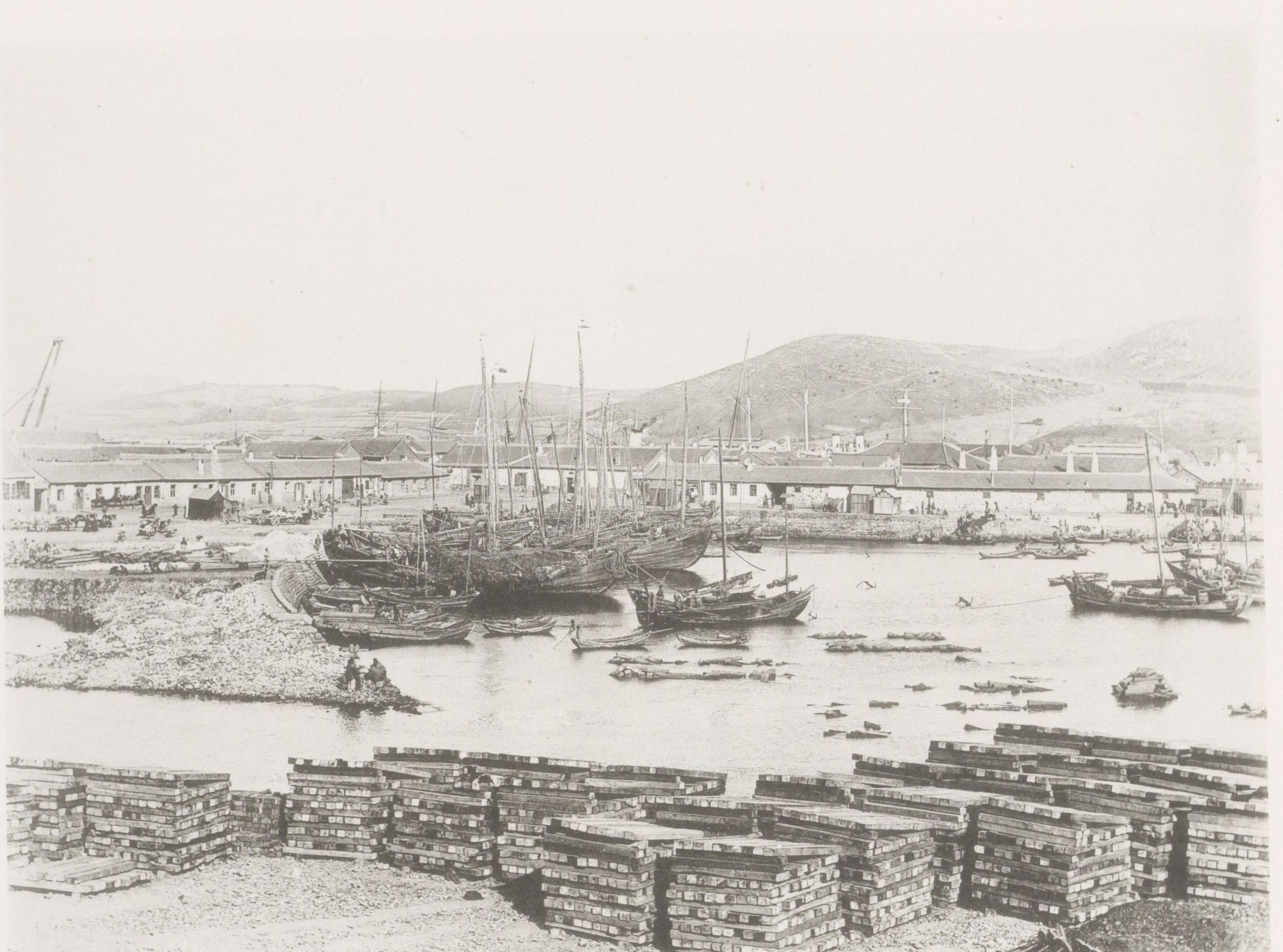 Вид кораблей в гавани