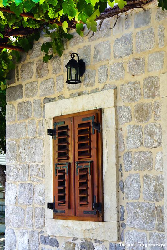 Ставни старого дома в Росе