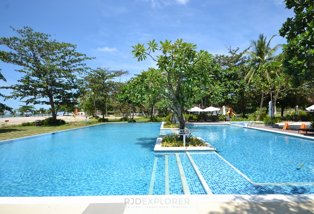 solina beach and nature resort swimming pool