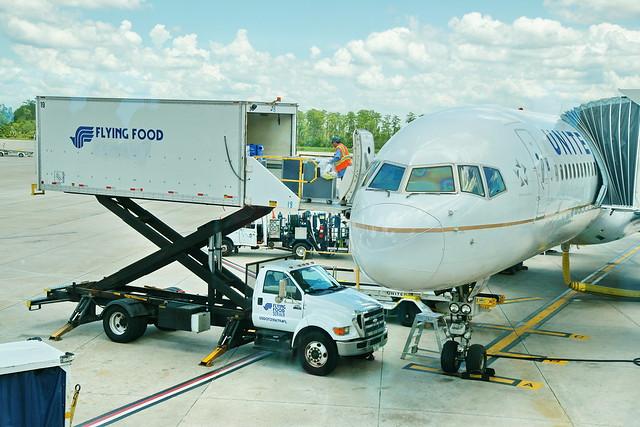 Boeing 757 200 United in Orlando FL International Airport to Newark 15.6.2018 2005