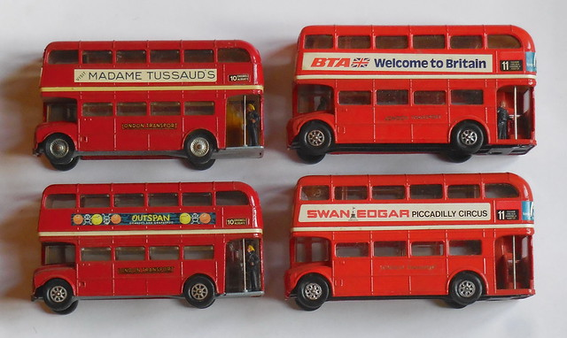 Corgi 468 routemaster with, Nikon COOLPIX S6800