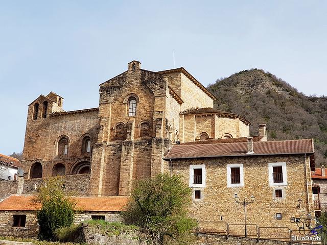Monasterio de San Pedro de Siresa, un joya en el valle de Hecho (1)
