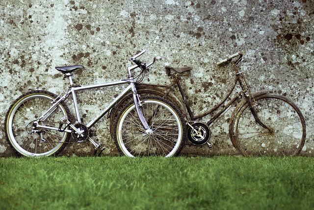 juxtabikes, Nikon D200, AF Nikkor 50mm f/1.4D