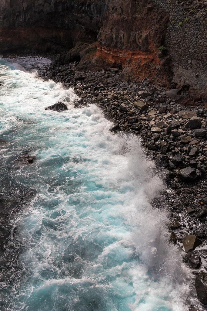 São Jorge Spumy Waters