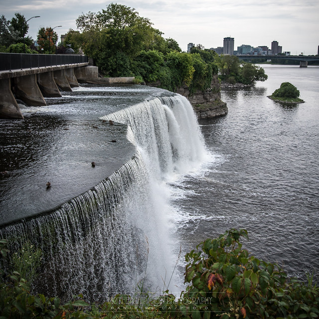 Ottawa family fun: Tavern on the Falls