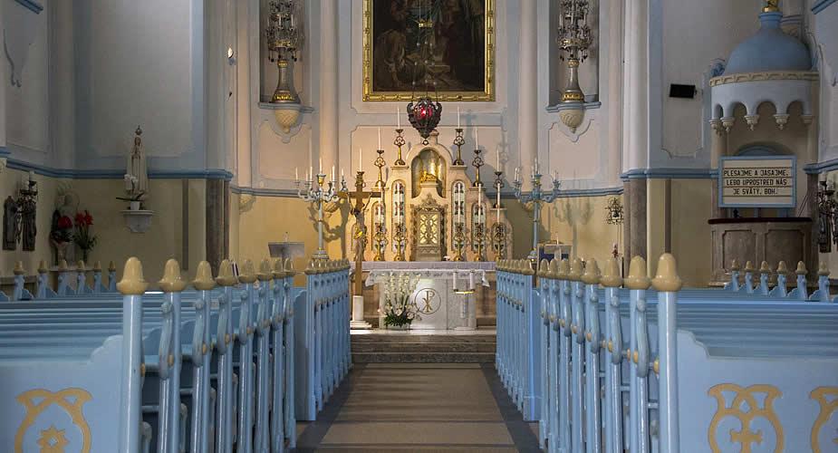 Architectuur in Bratislava: blauwe kerk Bratislava | Mooistestedentrips.nl
