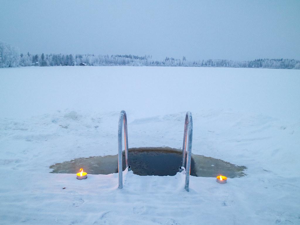 Baño en un lago helado