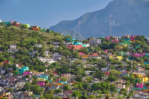 monterrey mexico nuevoleon colina cerro montaña mountain colorido colorful cheer alegre casas houses urban ciudad city